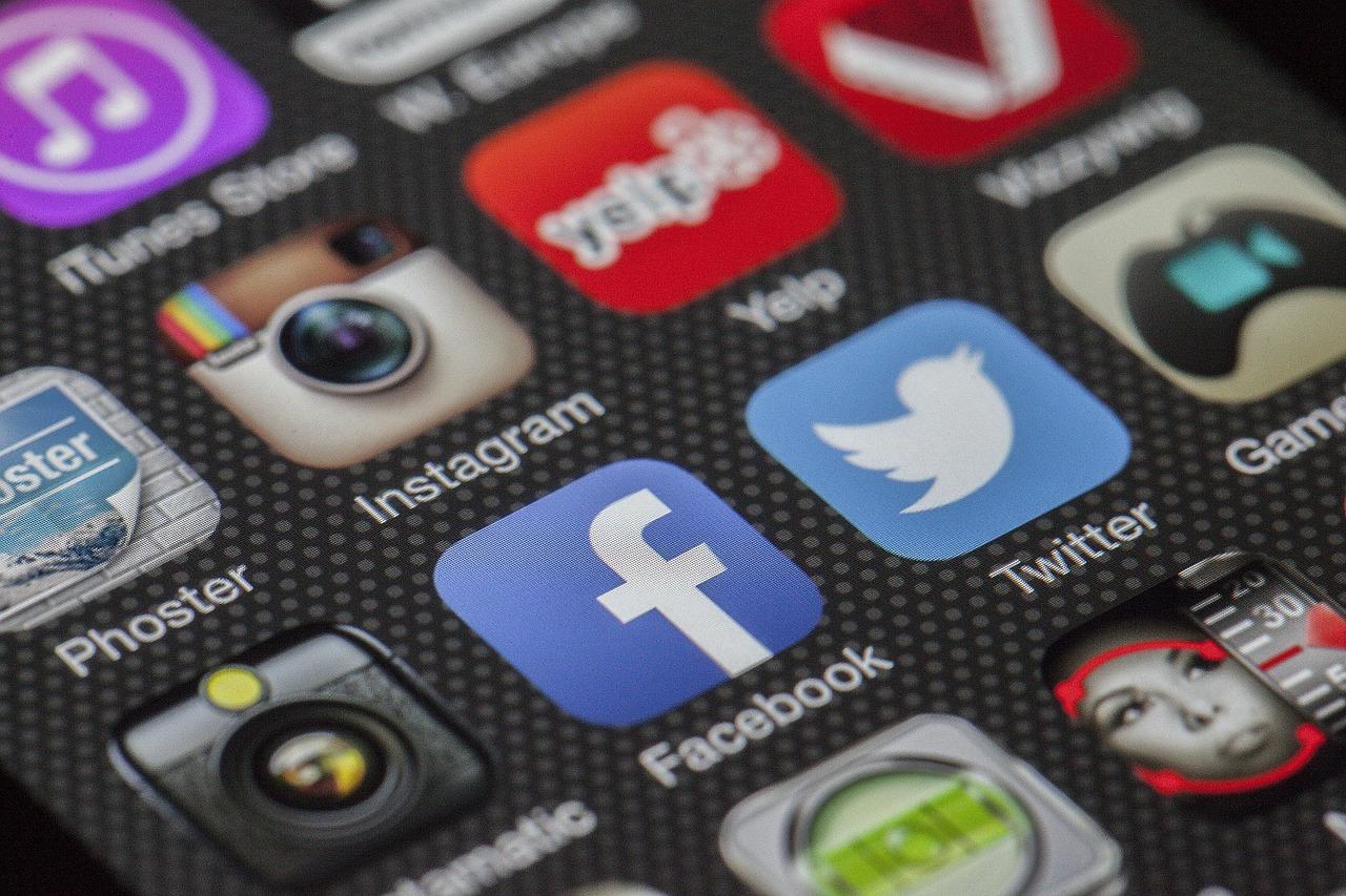 I social media distraggono gli addolescenti